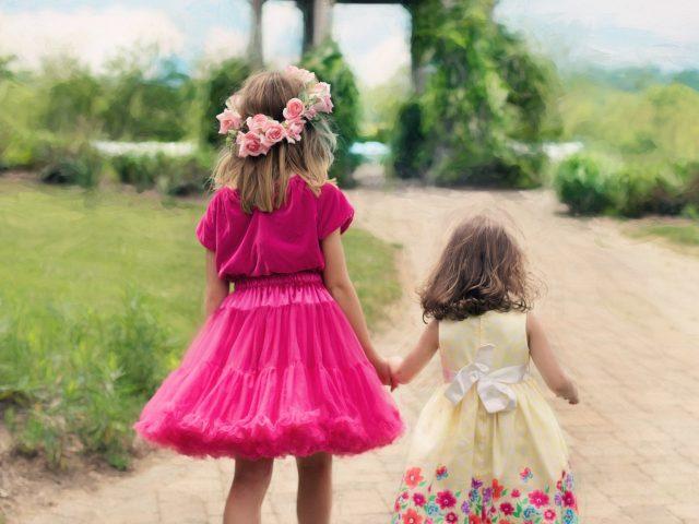 Kolorowe rajstopy – marzenie dziewczynek!